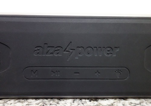 The control panel of the AlzaPower Rage R2