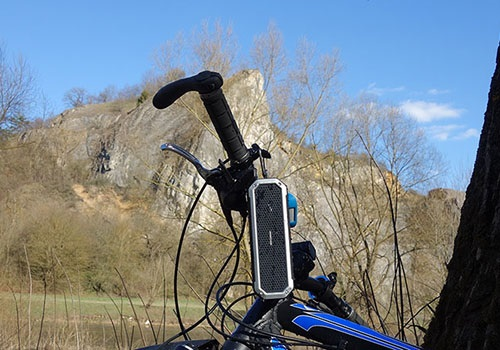 AlzaPower Rage R2 can be your biking partner