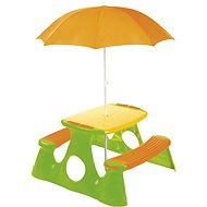 Picknicktisch mit einer Bank und einem Sonnenschirm - Tisch