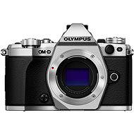 Olympus E-M5 Mark II BODY + 14-42 mm Objektiv EZ, silber/schwarz - Digitalkamera